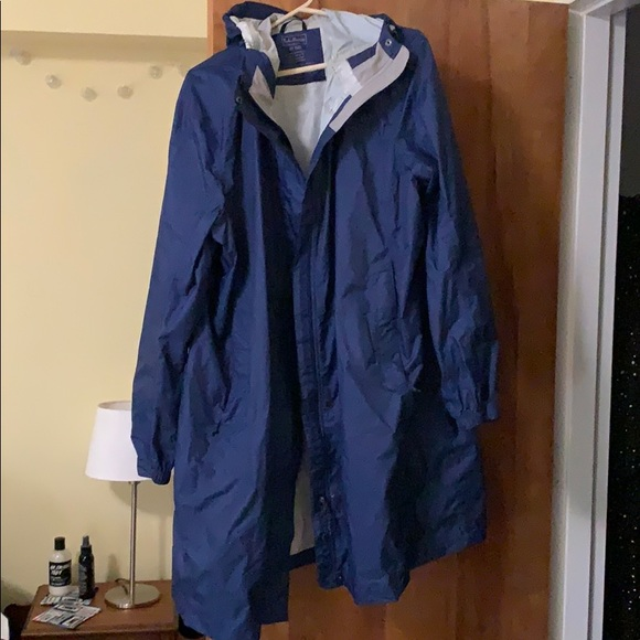 d136a26435b LL Bean women's trail model raincoat